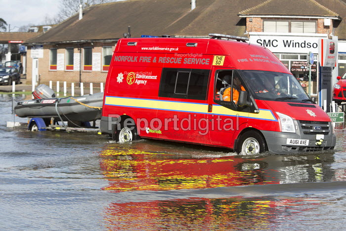 Norfolk fire and rescue service in Datchet , Berkshire which has been flooded after the Thames burst its banks. - Paul Box - 2014-02-13