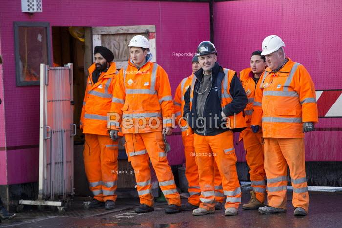 Crossrail Workers, Oxford Street, London - Paul Box - 2014-02-15