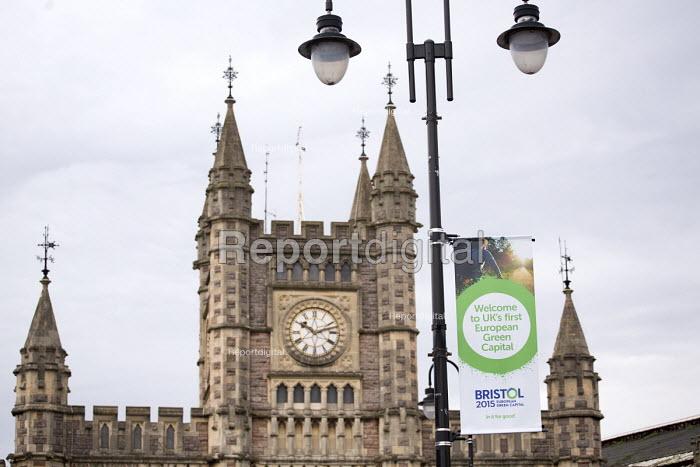 Temple Meads railway station, Bristol. European Green Capital. - Paul Box - 2014-12-09