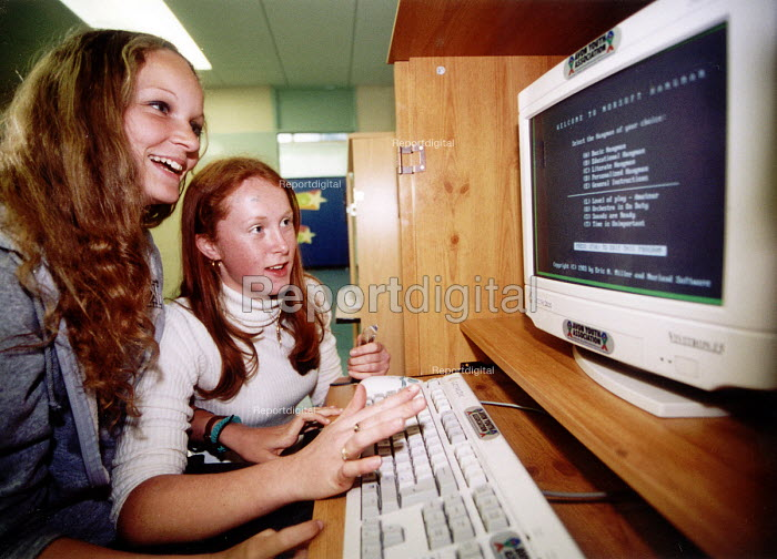 Young women using a computer at Bristol Youth Club - Paul Box - 2001-07-14