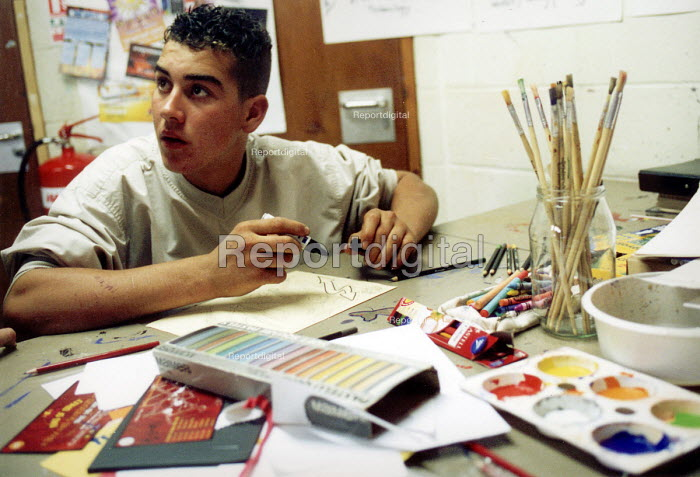 Art workshop at Bristol Youth Club - Paul Box - 2001-07-14