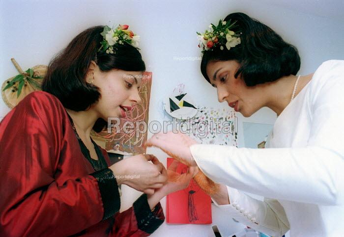 Bride getting ready for Asian wedding. London - Paul Box - 2000-07-14