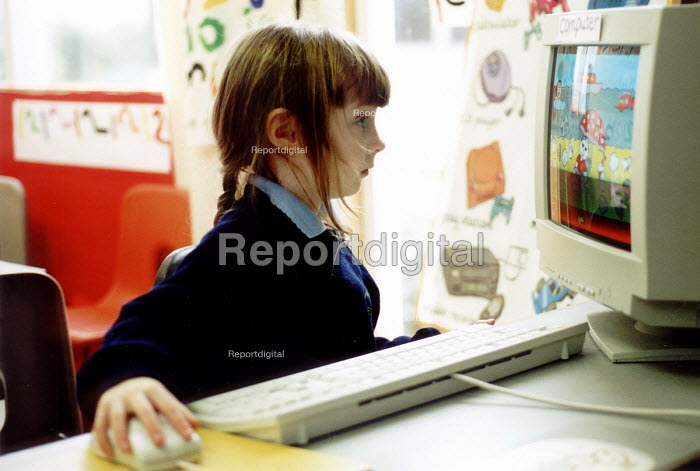 Pupil using a computer at Bruton Primary School Somerset. - Paul Box - 2000-07-14