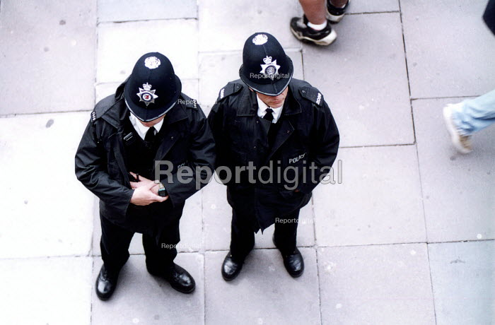 Police officers on the beat, Bristol City centre. - Paul Box - 2000-07-14