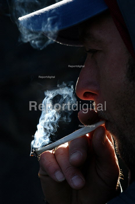 Man smokes a spliff - Paul Box - 2003-10-18