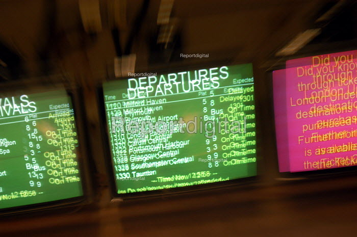 Departures screen at Bristol Temple Meads railway station. - Paul Box - 2003-10-18