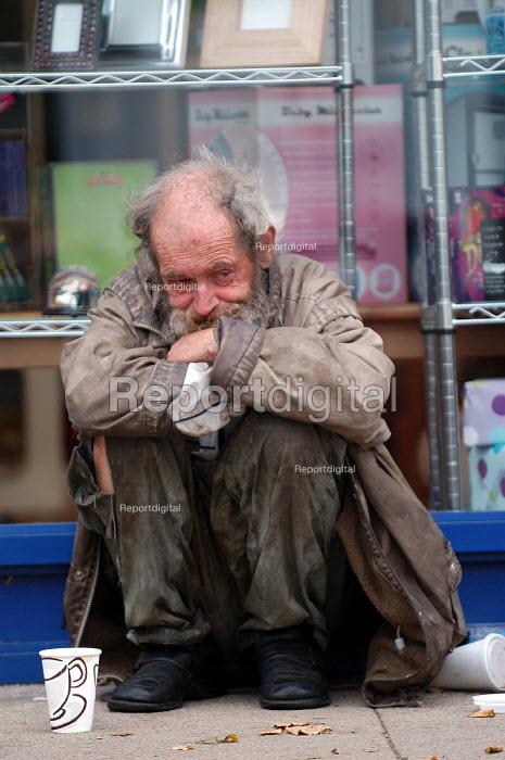 A homeless man Clifton Bristol - Paul Box - 2003-10-10
