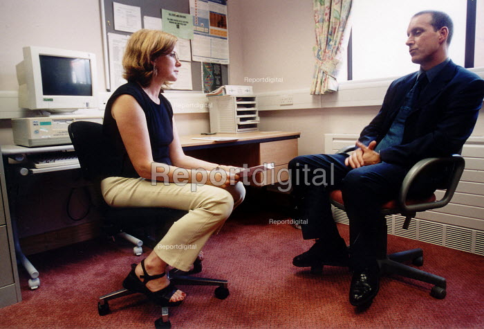 Counseling a cancer patient, Velindre Hospital Cardiff South Wales. - Paul Box - 2001-07-14