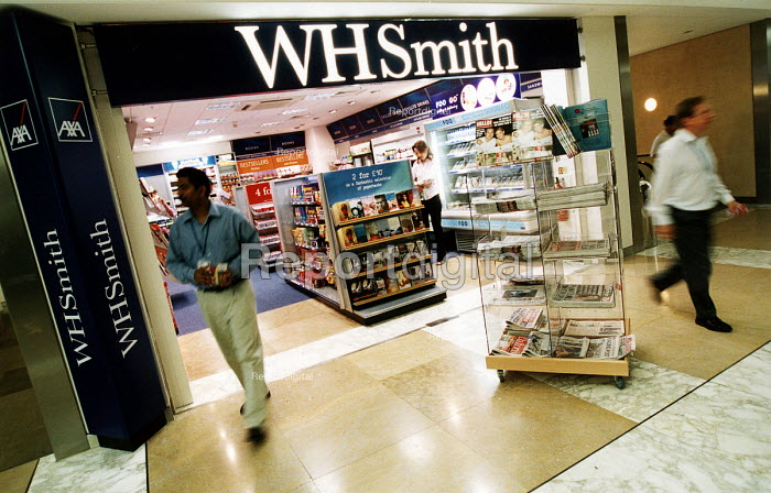 W H Smith bookshop in the Axa Sun Life Assurance building. Bristol - Paul Box - 2002-07-14