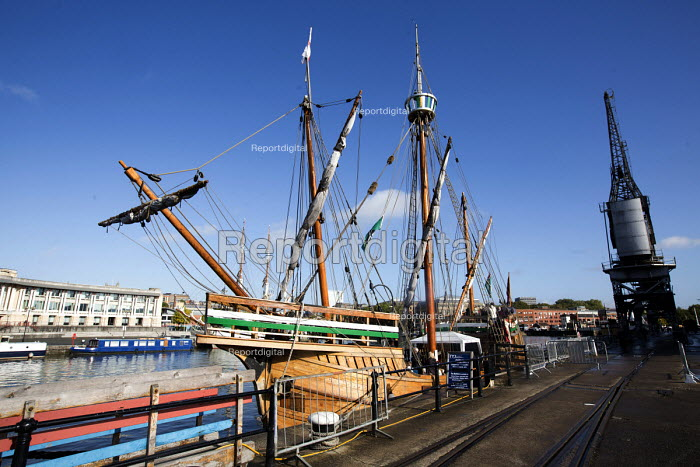The Matthew of Bristol, a replica of the English ship that discovered North America in 1497, moored at Bristol Floating Harbour, Bristol docks, Bristol. - Paul Box - 2014-10-16