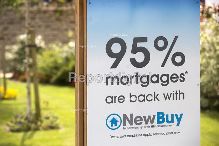 95% mortgages offered. Barratt Homes Hanham Hall, an environmentally friendly development. - Paul Box - 2014-06-11