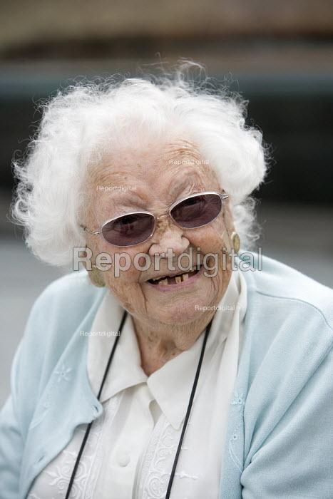 An elderly woman. - Paul Box - 2009-09-02