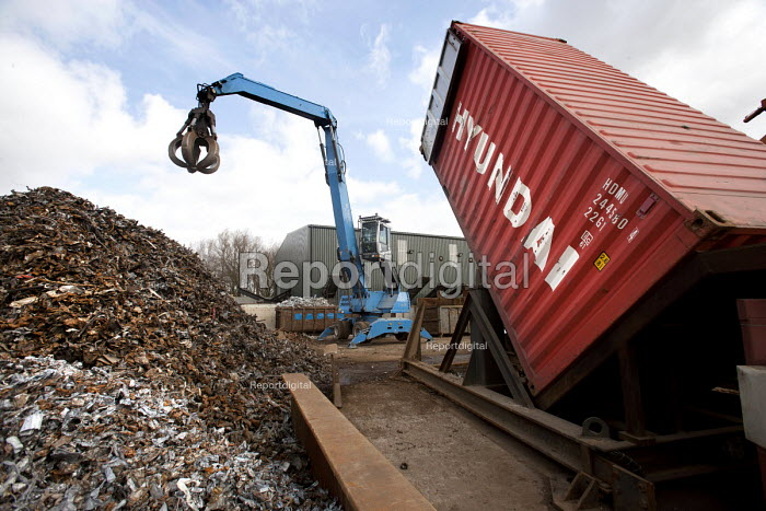 Lorries get loaded with sorted metals for export to India and China, at SITA Lenwade metals processing centre. - Paul Box - 2009-03-27