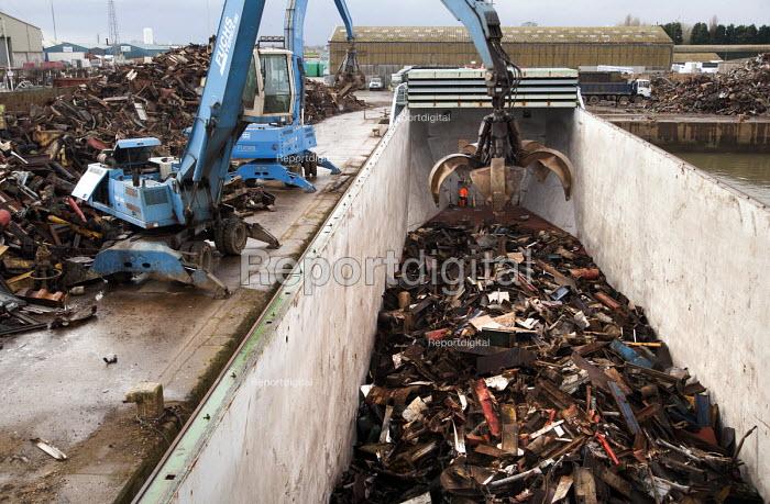 SITA load a ship heading to India with scrap metal at Alexandria dock. - Paul Box - 2009-03-27