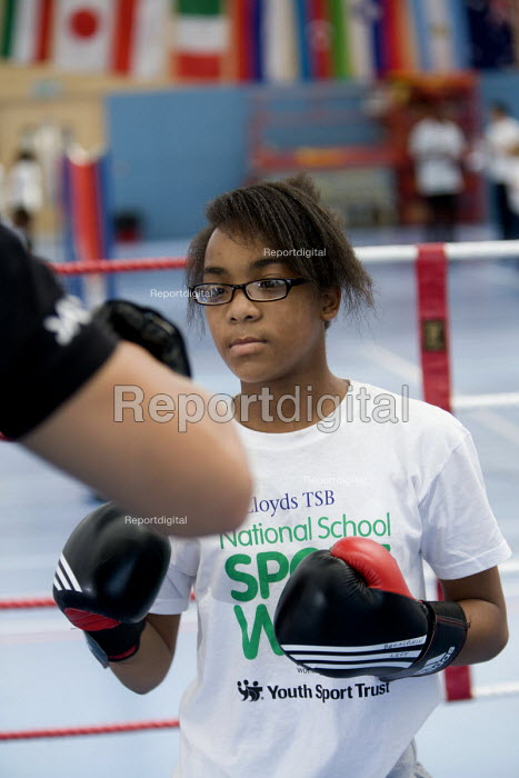 Students try boxing at Sports Week at Bristol City Academy. - Paul Box - 2010-06-28