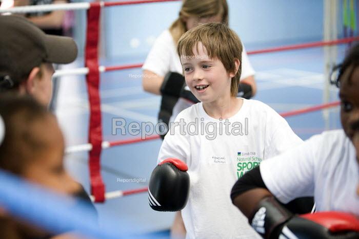 Students try boxing at Sports Week at Bristol City Academy. - Paul Box - 2010-06-28