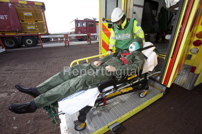 West Wales Fire and rescue service carry out a mock Chemical spill at Gelliswick Bay, Pembrokeshire - Paul Box - 2011-10-06