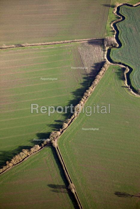 Farmland in Oxfordshire. - Paul Box - 2012-01-13
