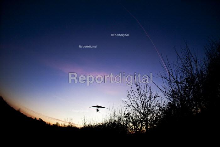 A microlight aircraft flight in Oxfordshire. - Paul Box - 2012-01-13