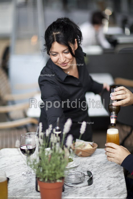 Piccolino restaurant, Bristol. - Paul Box - 2011-08-11