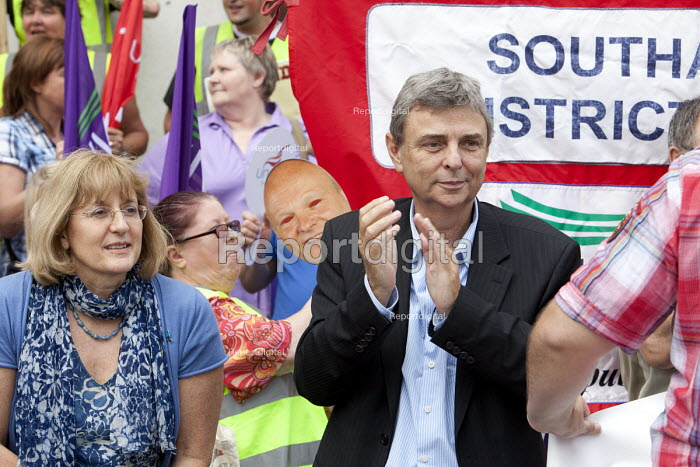 Diana Holland, Unite the union and Dave Prentis, UNISON leader of Unison trade union at an Anti-Cuts march, Southampton. - Paul Box - 2011-07-03