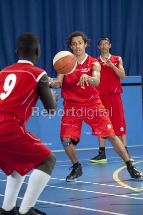 Basketball at Bristol City Academy. - Paul Box - 2011-05-14