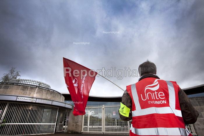UNITE pensions picket at MOD headquarters for procurement, Abbey Wood, Bristol. - Paul Box - 2012-05-10