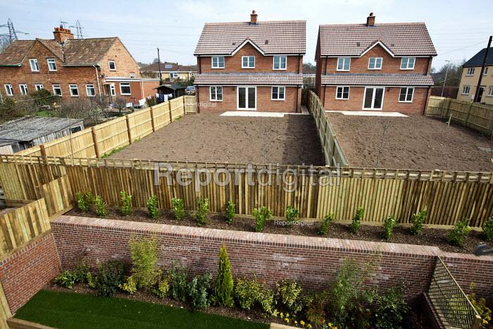 New housing near Taunton, Somerset. - Paul Box - 2012-03-22