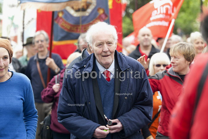 Tony Benn. Tolpuddle Martys at The Tolpuddle Martyrs festival, Tolpuddle - Paul Box - 2012-07-15