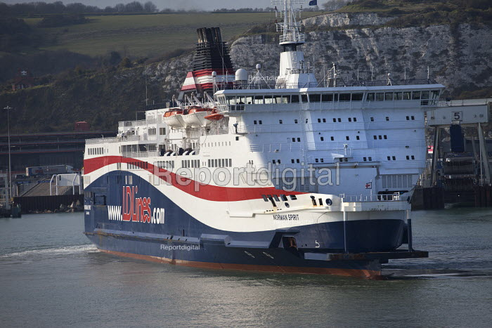 LD Lines ferry setting sail from the port of Dover to make the crossing to Calais, France. - Paul Box - 2012-04-13
