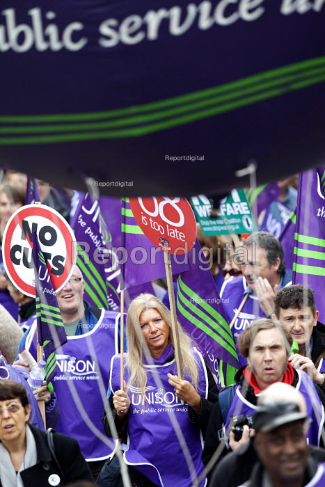A Future That Works. March and rally organised by the TUC to protest against the government austerity policies and to call for an alternative economic strategy that puts jobs, growth and people first. London. - Paul Box - 2012-10-20