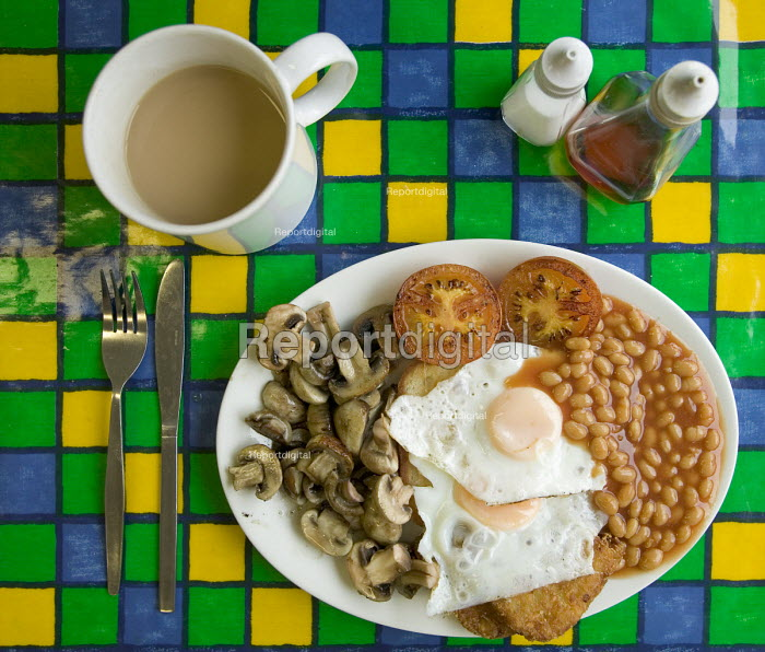 A large vegetarian breakfast. - Paul Box - 2005-12-13