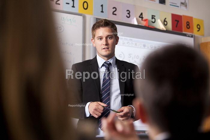 A teacher teaching a maths class at Clevedon school, Clevedon - Paul Box - 2011-09-13