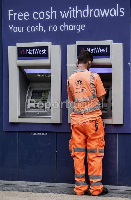 Natwest bank, Bristol. - Paul Box - 2013-08-24