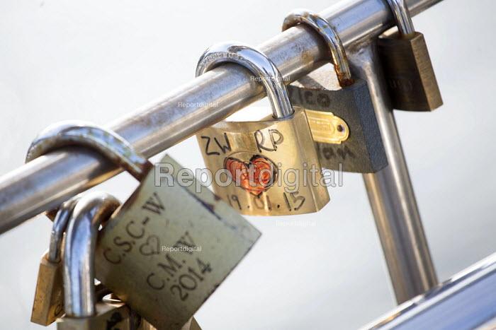 Love locks on Pero's bridge, Harbourside, Bristol, European Green Capital - Paul Box - 2015-02-03