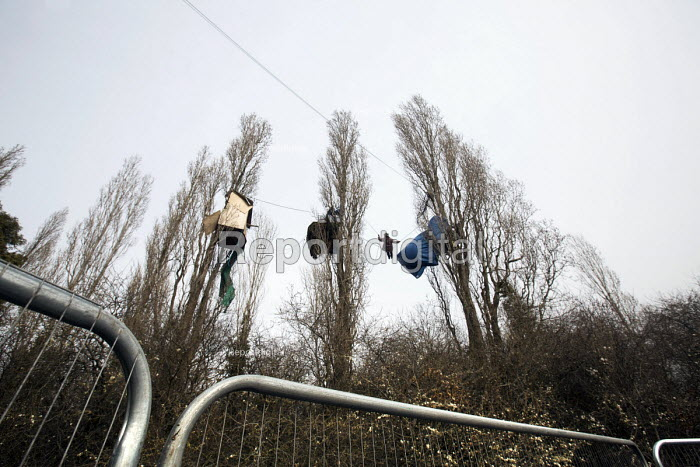 Stapleton Allotment tree-top protesters, Bristol. The protesters are objecting to the building on allotments and cutting down of trees for the MetroBus. - Paul Box - 2015-03-12