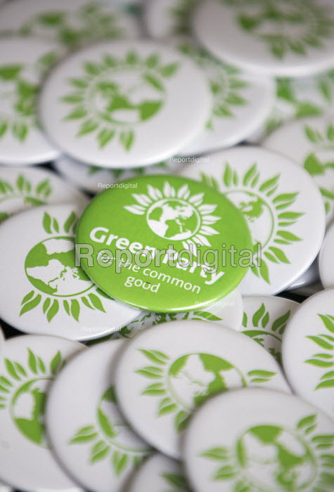 Badges, The Green Party Headquarters, Bristol. - Paul Box - 2015-04-17