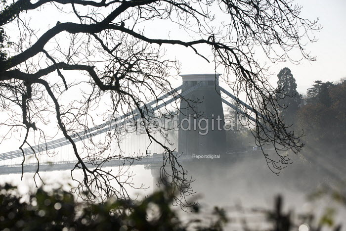 Clifton Suspension Bridge in the fog, Bristol - Paul Box - 2014-11-30