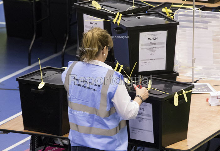 Votes being counted, Bristol West General Election count, Bristol. - Paul Box - 2015-05-07