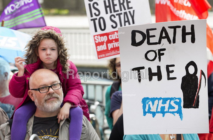 Protest against Virgin Care �28 million privatisation of NHS Childrens services Bristol - Paul Box - 2015-08-26