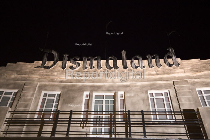 Dismaland a parody of Disneyland theme park by Banksy, Weston Super Mare. A Bemusement Park. - Paul Box - 2015-08-27