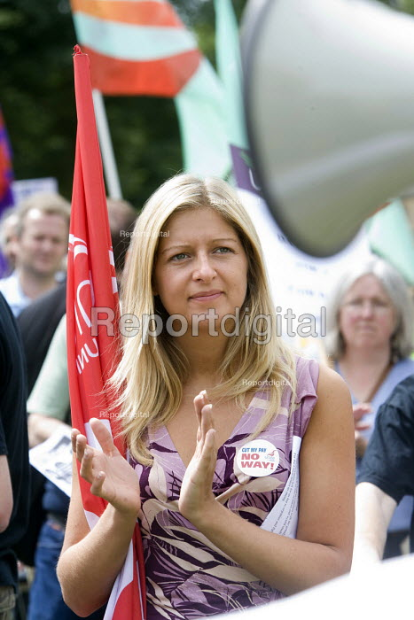 Unite members march in Bristol in their strike over fair pay. - Paul Box - 2008-07-16