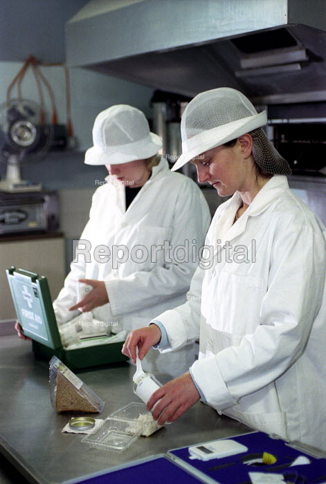 Council food safety officers, Bristol. - Paul Box - 2003-12-01