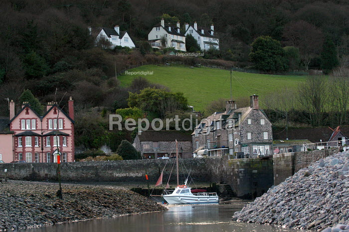 Hotel, cottages and harbour, Porlock Weir Somerset - Paul Box - 2004-01-10