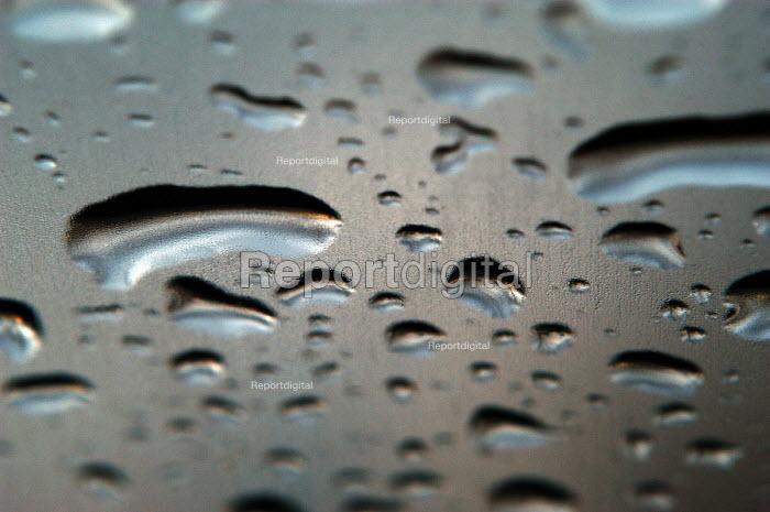 Water droplets on windscreen - Paul Box - 2004-01-20