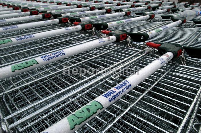 Asda Walmart superstore Bristol trolleys - Paul Box - 2004-01-18