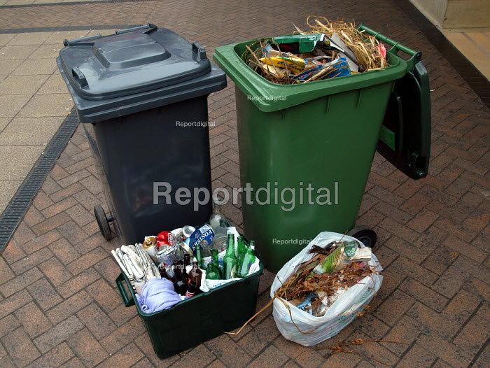 Recyling bins and boxes for all waste products - Paul Box - 2004-02-04