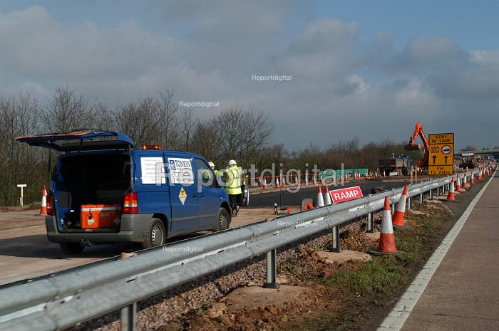 Motorway roadworks on the M5 - Paul Box - 2004-02-16