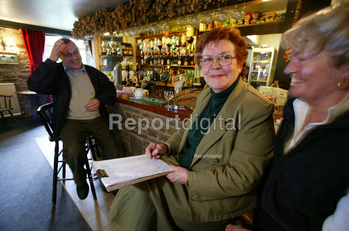 Landlord of a country pub. Wales - Paul Box - 2004-05-01