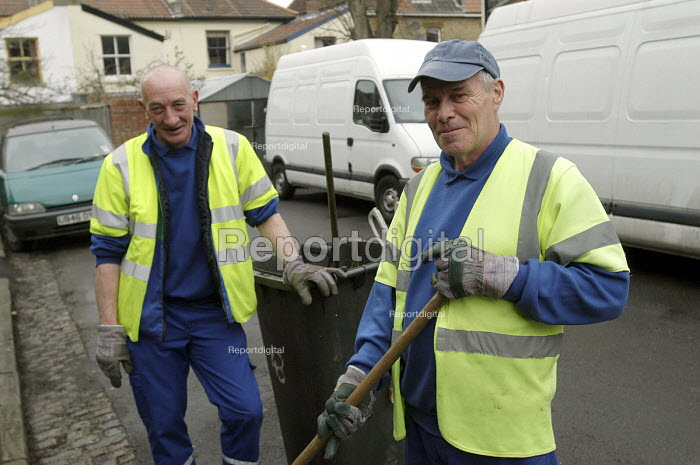Council road sweepers at work in Bristol - Paul Box - 2004-03-12